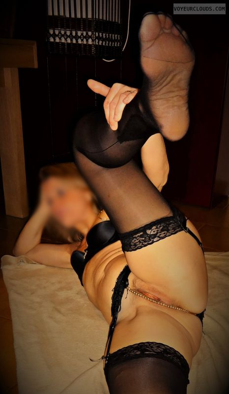 anna, wife, garters, stockings, spread, pussy.labia