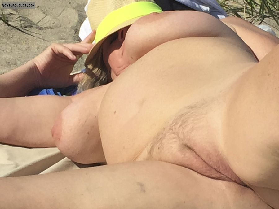 pussy lips, big tits, beach pic, hard nipples, pink pussy