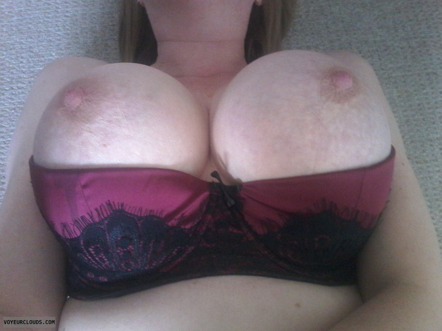 boobs out, hard nipples, big tits, hard nipples, selfie