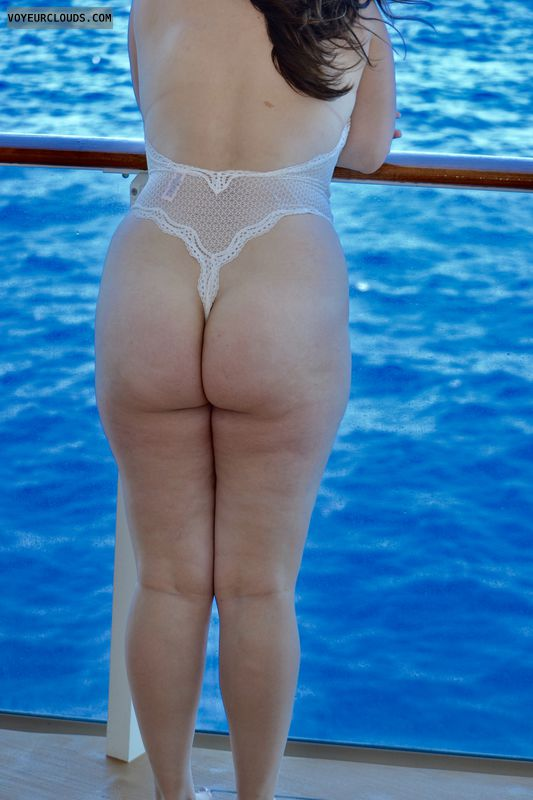 round ass, round butt, lace thong, bodysuit