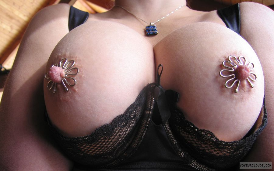 Nipple Art, Big Nipples, hard nipples, deep Cleavage