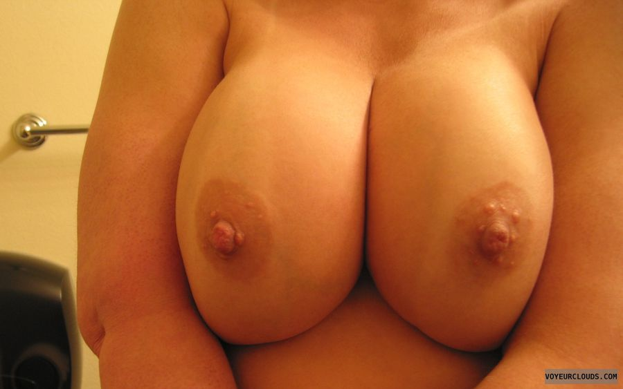 topless, hard nipples, big Boobies, deep Cleavage
