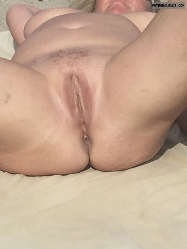 shaved pussy, pussy lips, spread legs, nude outdoors