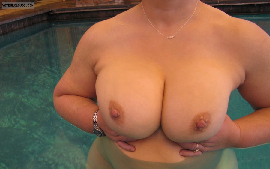 Boobies, Cleavage, Cold Nipples, Public Pool