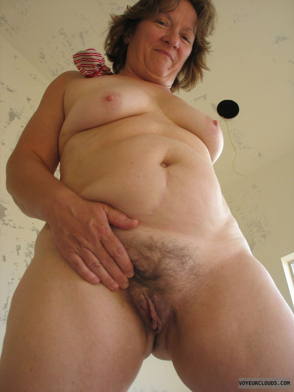 exhibitionist, mature, hairy pussy, MILF, tits, breasts