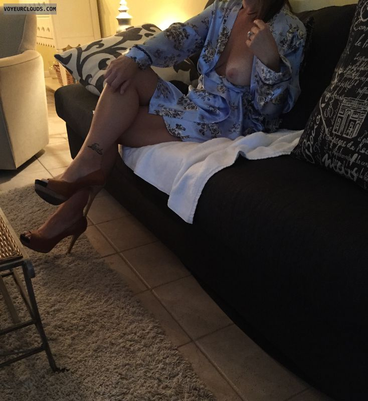 Night gown, milf, sexy legs, milf legs, tattoo, heels
