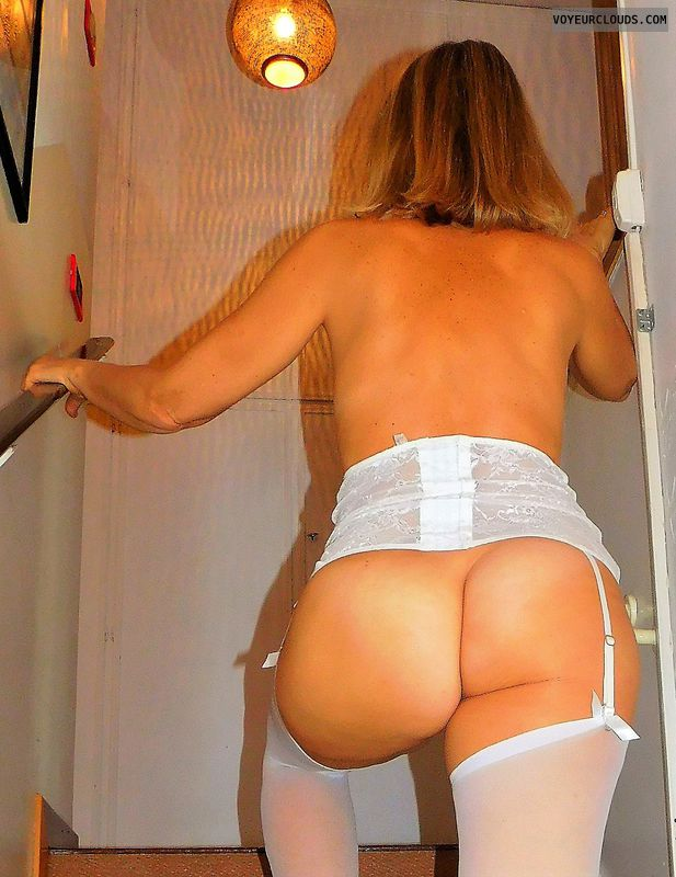 anna, wife, ass, stockings, garters, lingerie