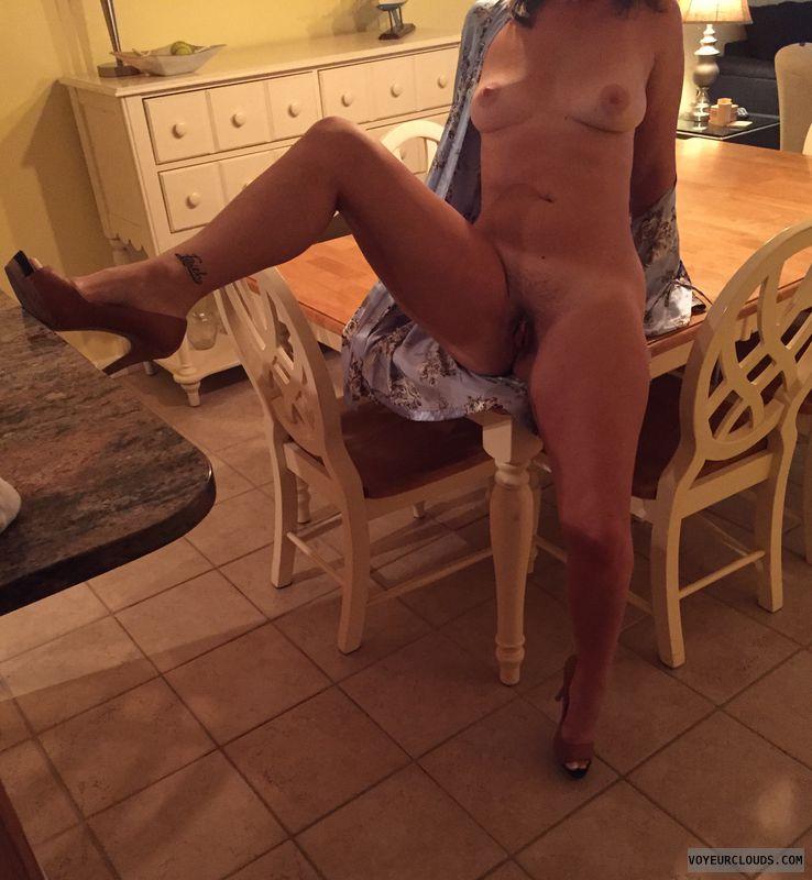 Milf, Tattoo, Legs open, Legs spread, sexy, Sexy milf