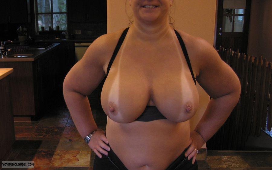 Big Tits, Cleavage, Boobies, Tanlines