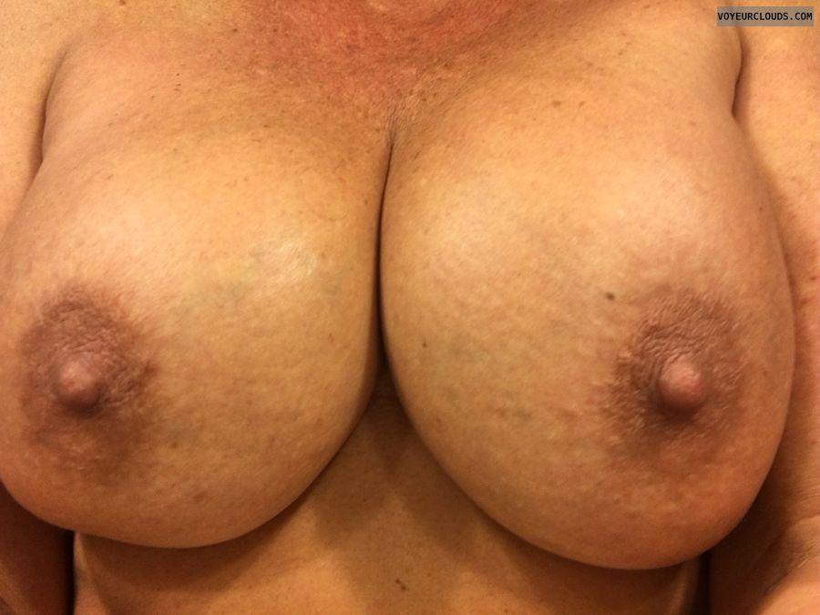 GILF boobs