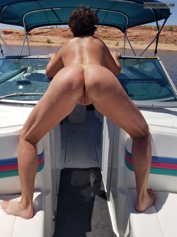 GILF ass, Naked boating, Fine was