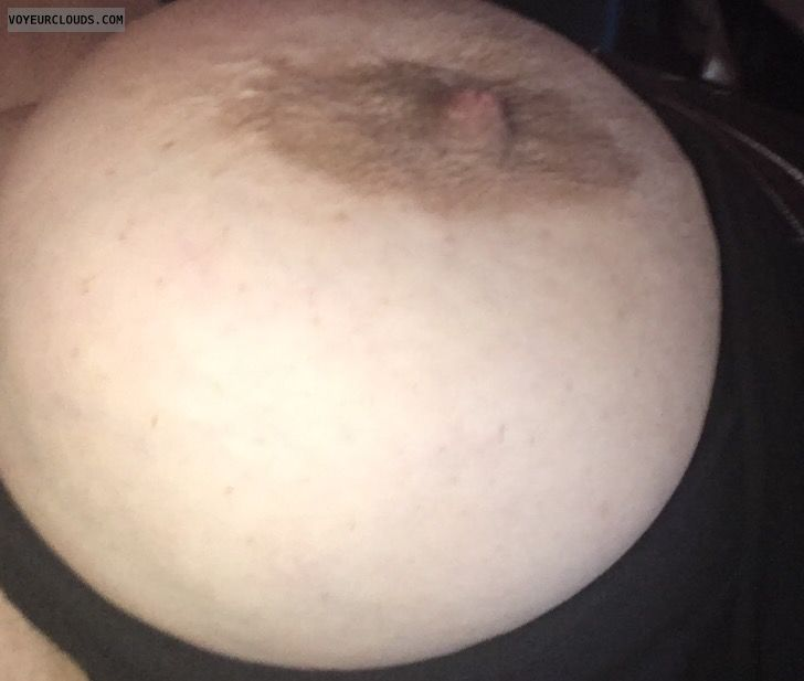 Hard nipple, bib tit, big boob