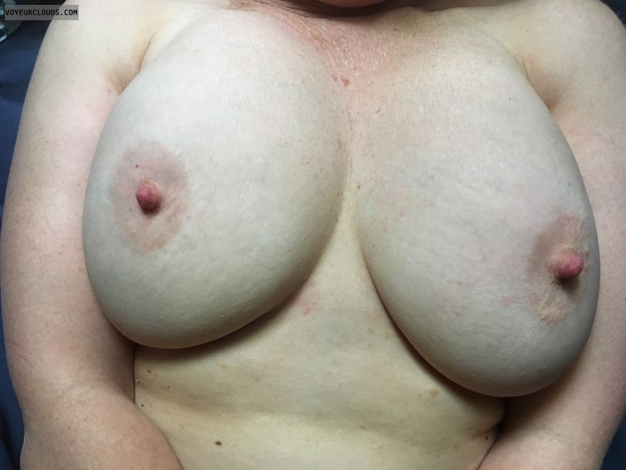 Hard nipples, DD\'s, erect nipples, big nipples, big tits