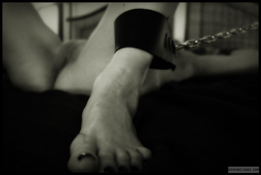 shaved pussy, nude wife, chains, feet, toes, milf