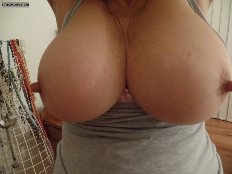 Titty Tuesday, Hard nipples, Tits out, Thick nipples