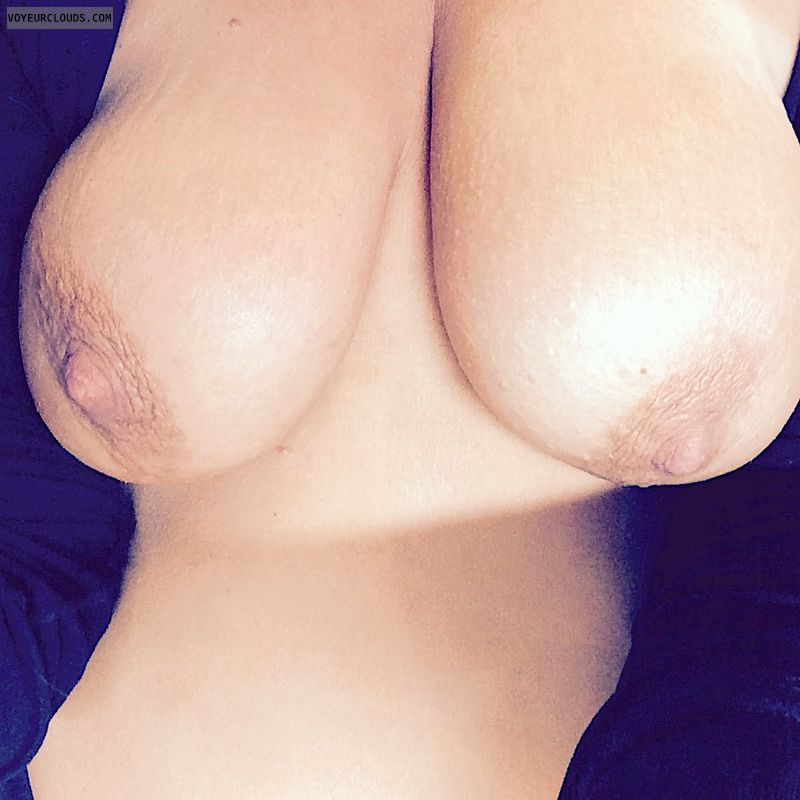 hanging boobs, topless, topless wife, nude wife, big tits