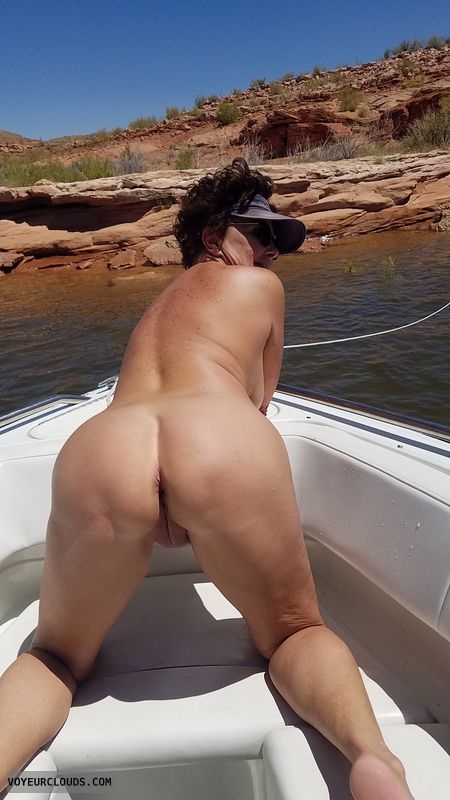 GILF add, Naked boating, EFI  pose