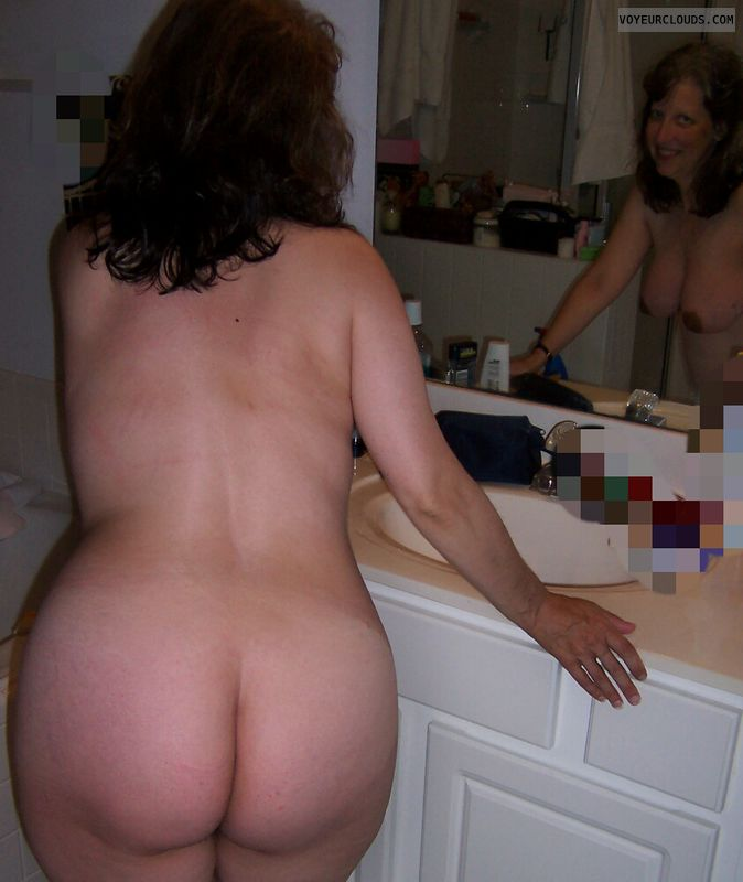 Big Ass, Round Ass, Small Tits, Sexy Smile, Mirror