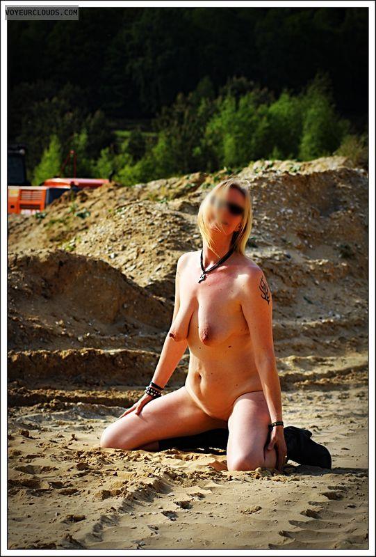 nude wife, spread legs, shaved pussy, long legs, milf