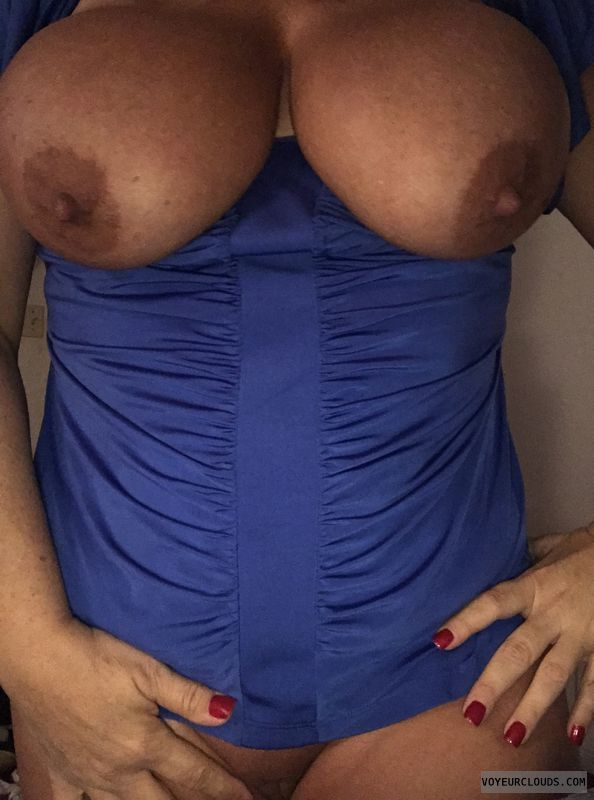 Big Tits, Tits out, nipples, sexy wife, titty tuesday