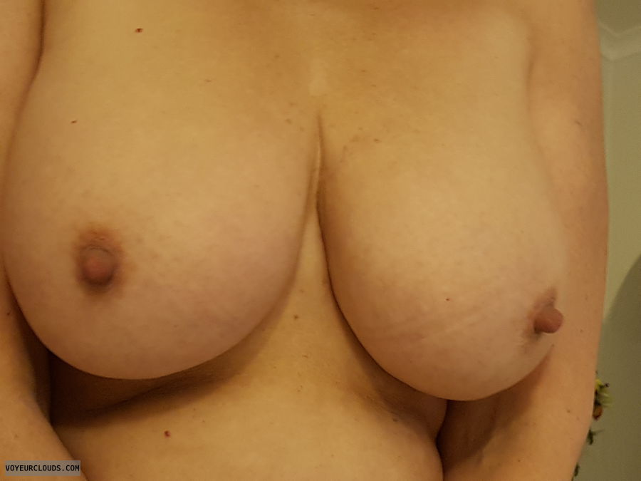 Spring Day, Tits out, Thick nipples, Long nipples