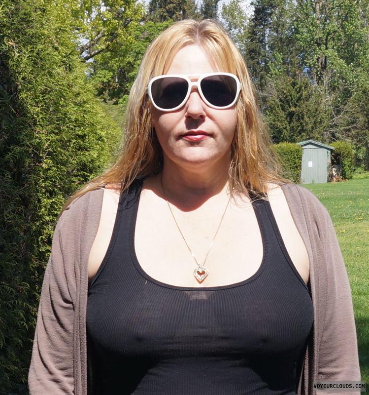 braless, pokies, see though, nipples, hard nipps