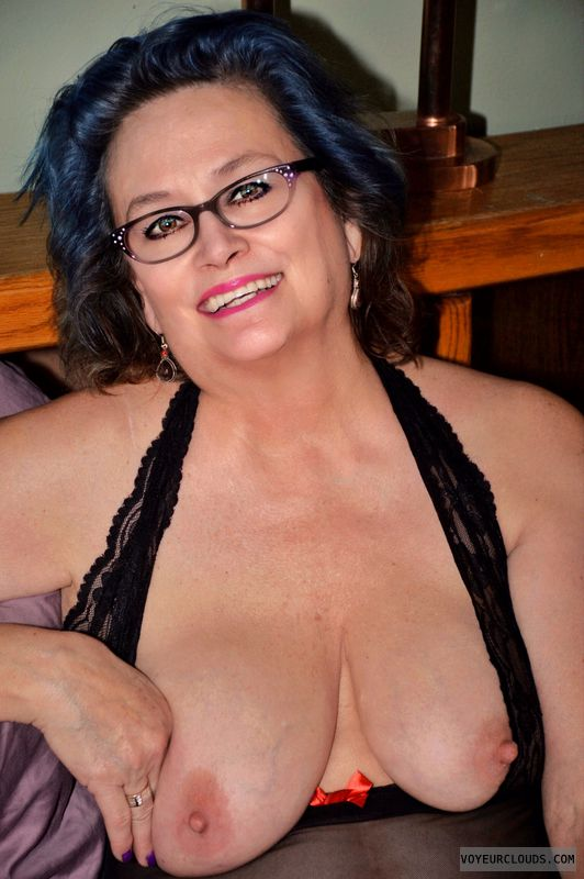 Big tits, sexy smile, lingerie, glasses