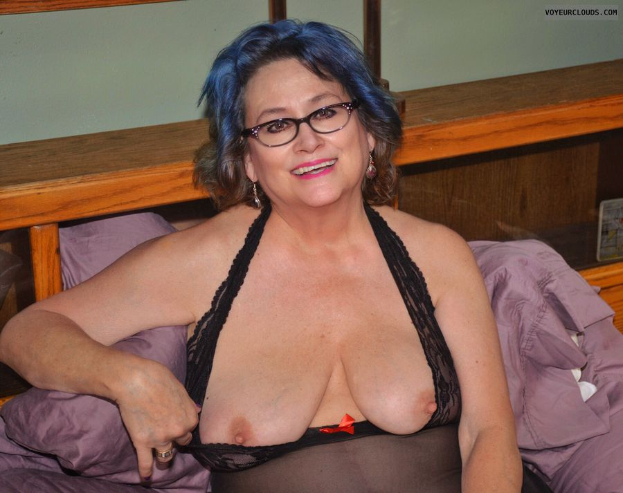 Big tits, sexy smile, glasses, lingerie