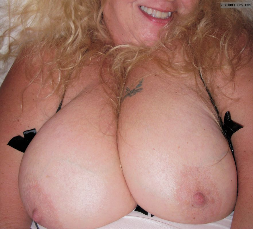 big tits, boobs, milf, wife, mature, nipples, topless