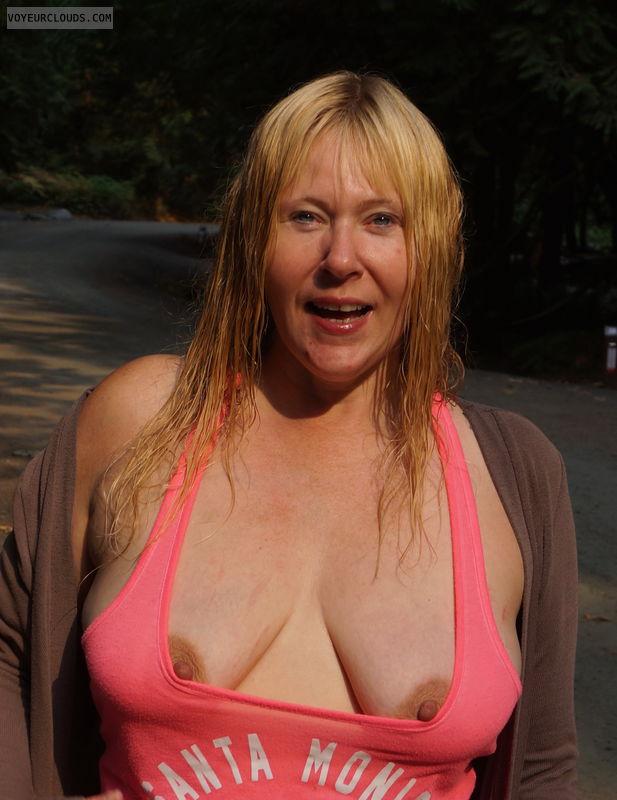braless, pokies, nipples, nip slip, hard nips, cleavage
