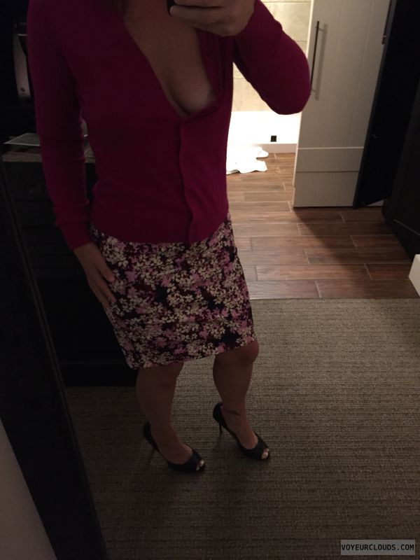 Milf, hotel, pencil skirt, boob, tattoo, selfie, sexy selfie
