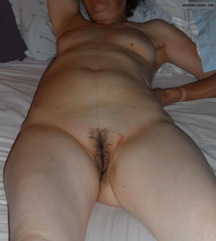small breasts, mature wife, nude sexy, waiting bed