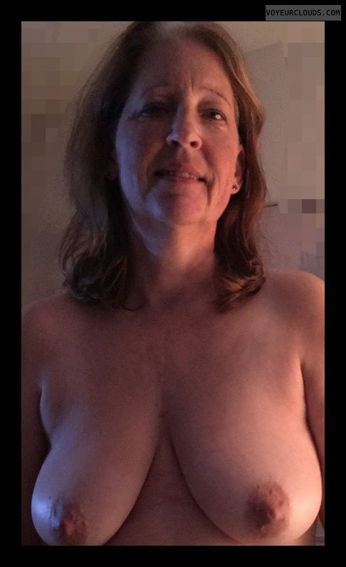 topless, hard nipples, big boobs, Saggy Tits, Mature woman
