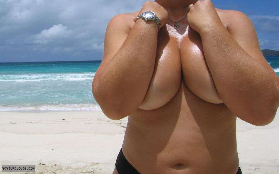 topless, Boobies, deep Cleavage, big boobs, big tits