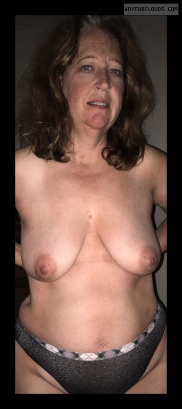 topless, hard nipples, Mature woman, Big Boobs, Saggy Tits