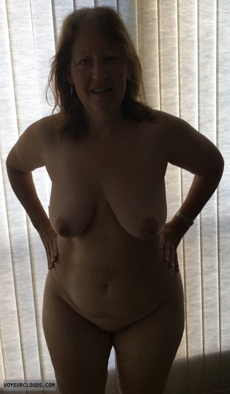 Mature, Saggy Tits, Big Boobs, Hard Nipples, Wide Hips