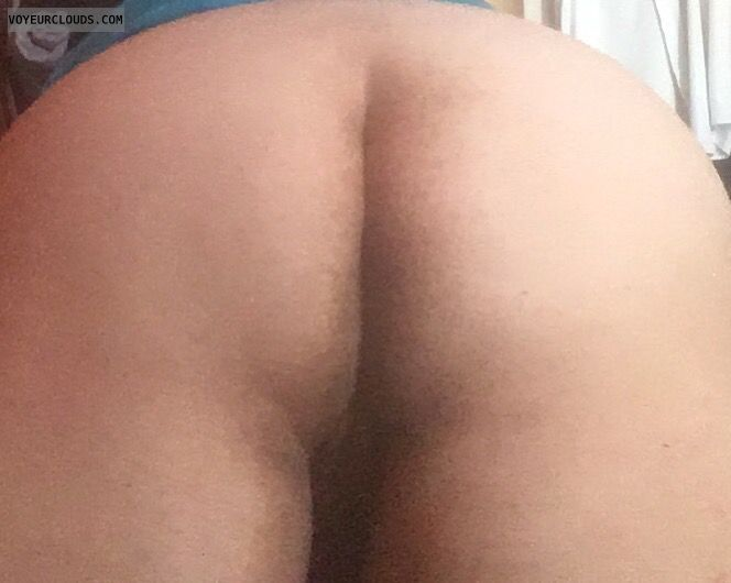 big ass, bare ass, bending over, pussy peek, round ass