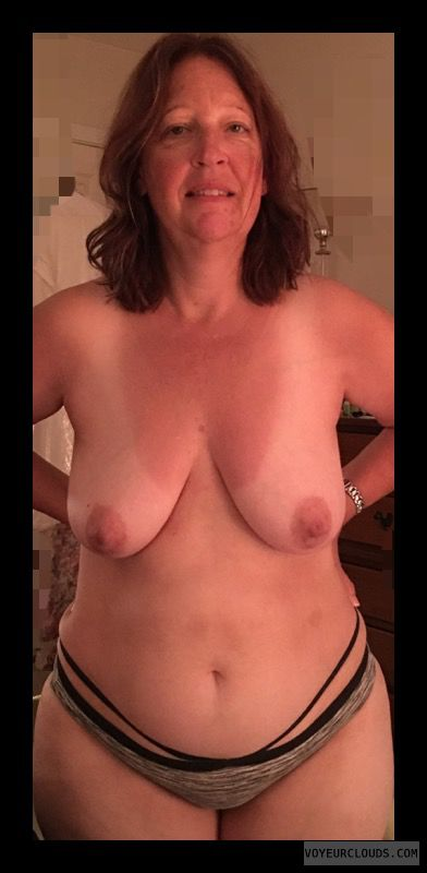 Saggy Tits, Mature, Topless, Big Boobs, Sexy Smile