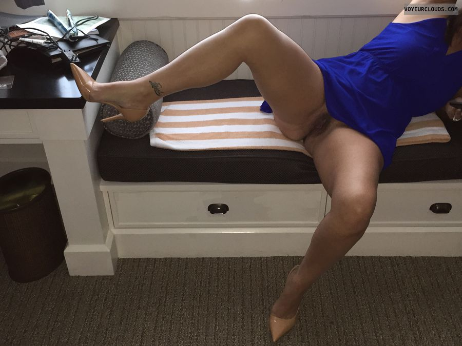 Wide open, spread eagle, milf, sexy heels, tattoo