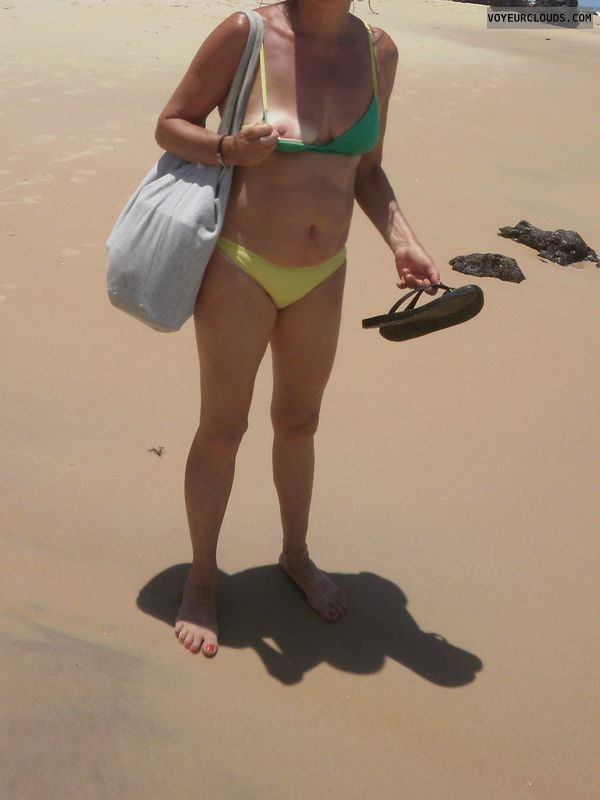 small tits, small boobs, flashing, beach pic