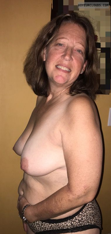 Topless, Mature, Sexy smile, Saggy Tits