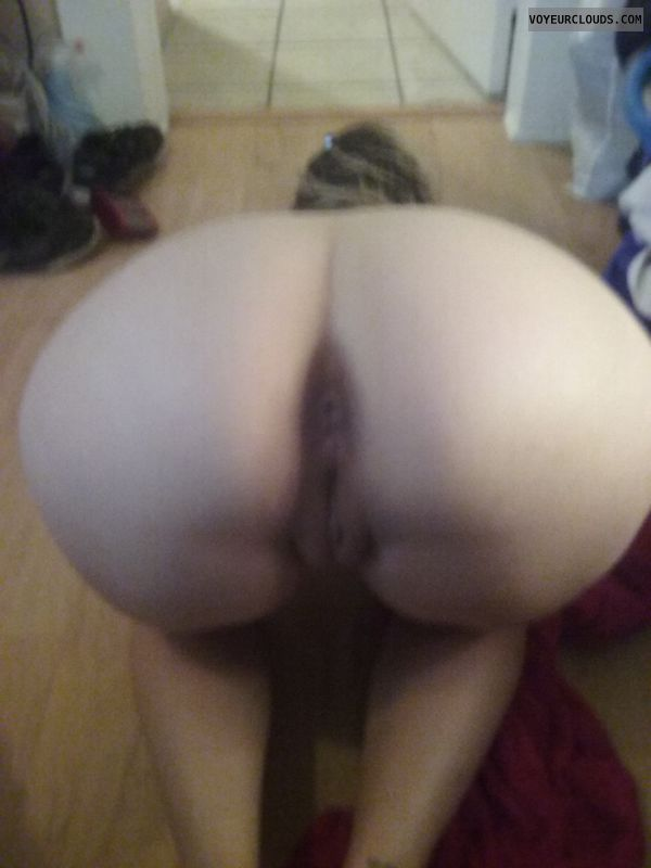 round ass, round butt, naked wife, slut, bent over