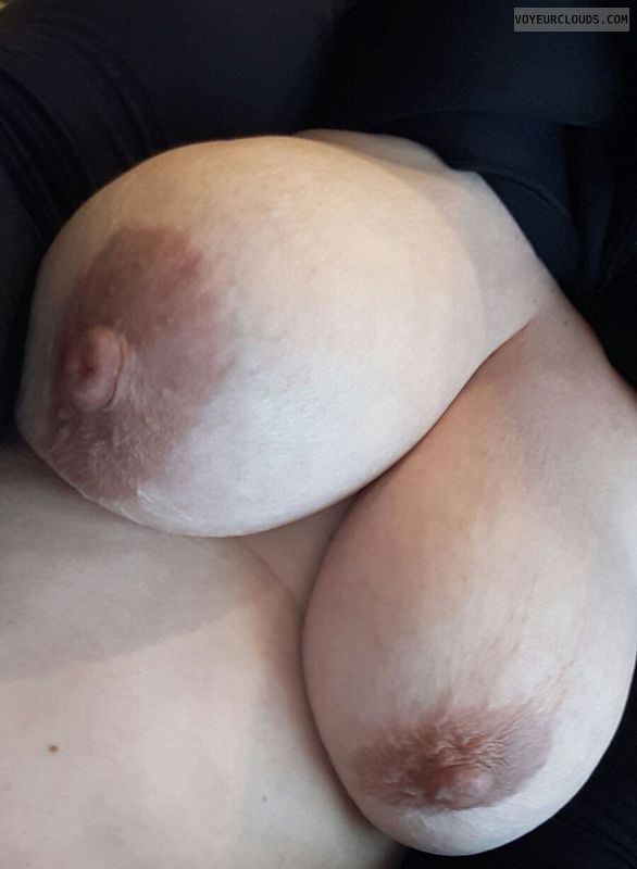 tits out, hard nipples, Big Boobs, Big Nipples, Hanging Tits