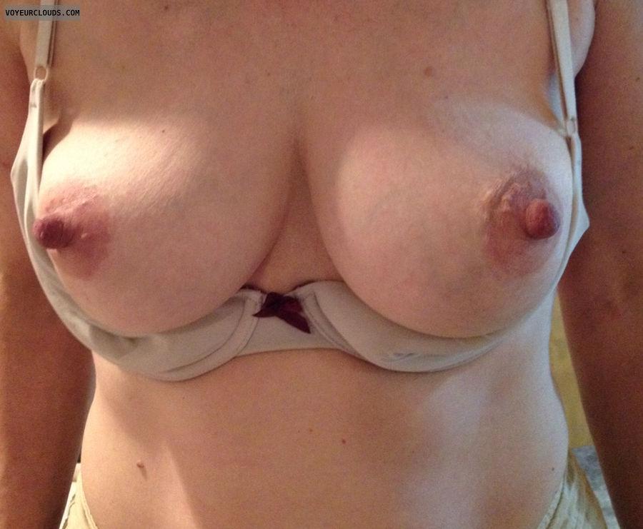 Nipples,  big,  wife