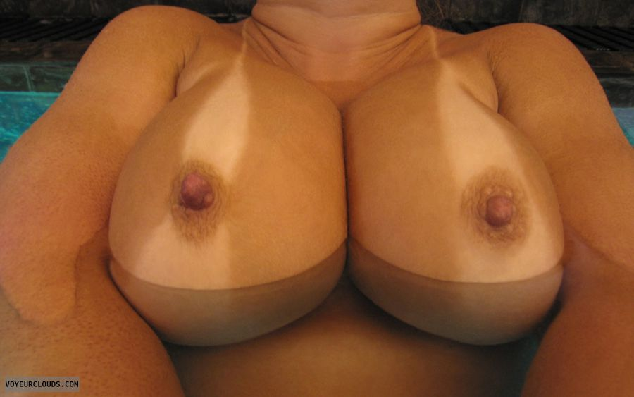 Big Tits, Cleavage, Cold Nipples, Boobies, Tanlines