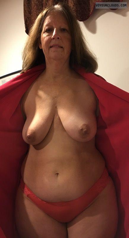 Saggy Tits, Mature, Dark Nipples