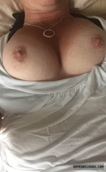 tits out, hard nipples, big tits, big boobs, selfie