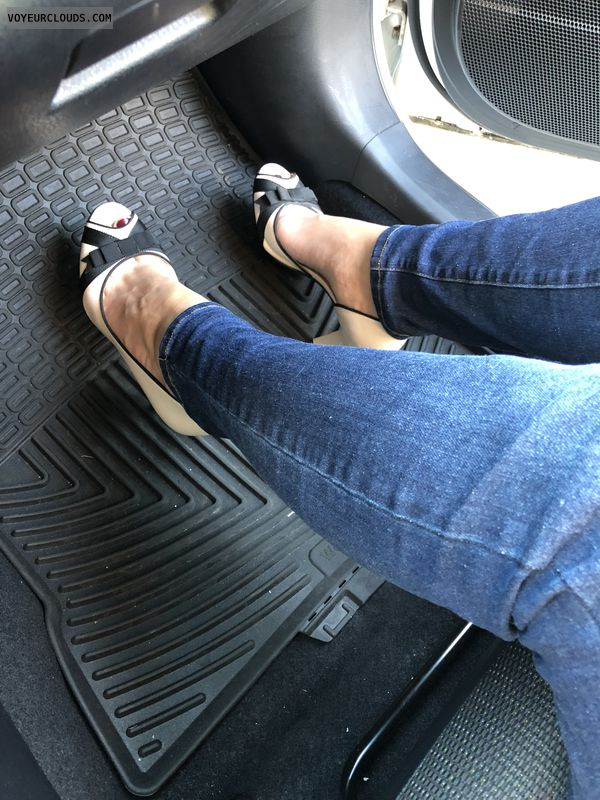 Sexy heels, sexy arches, sexy feet, car heels, Work heels
