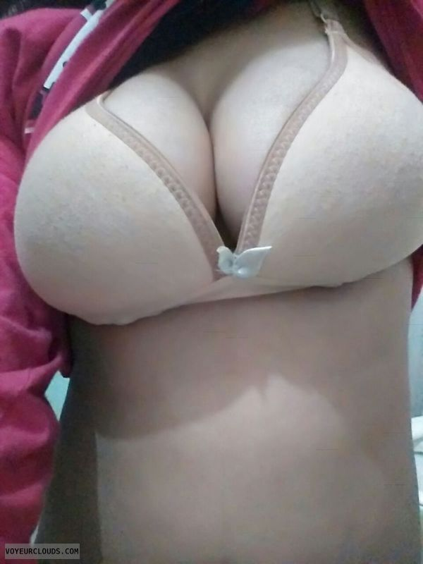 boobs in bra, real, indian