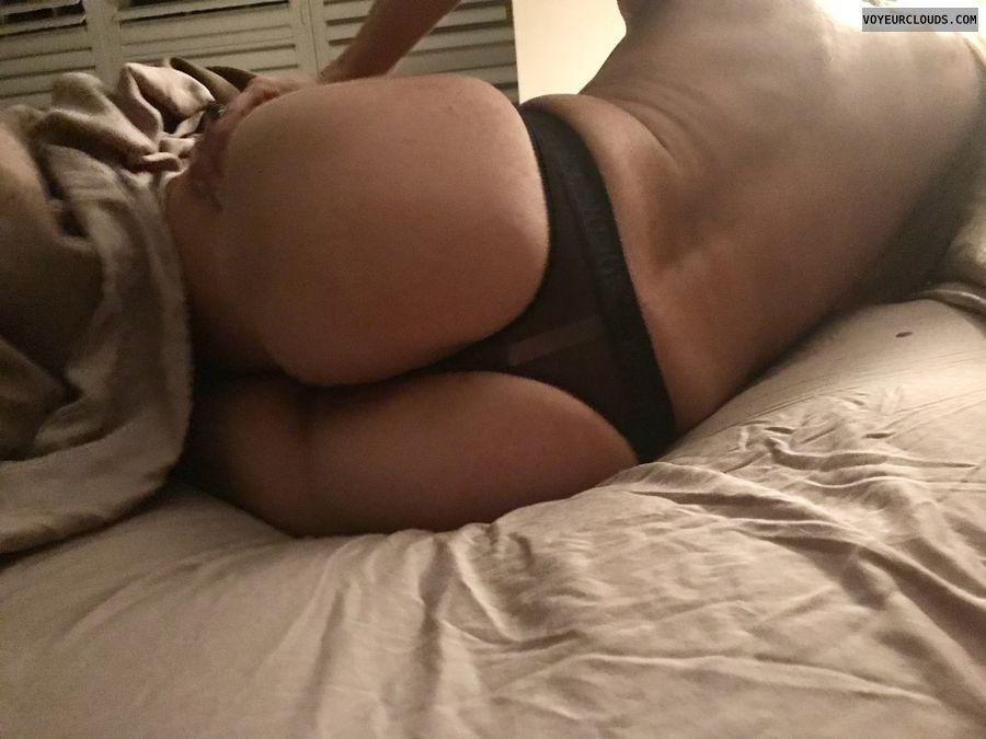 wife\'s ass
